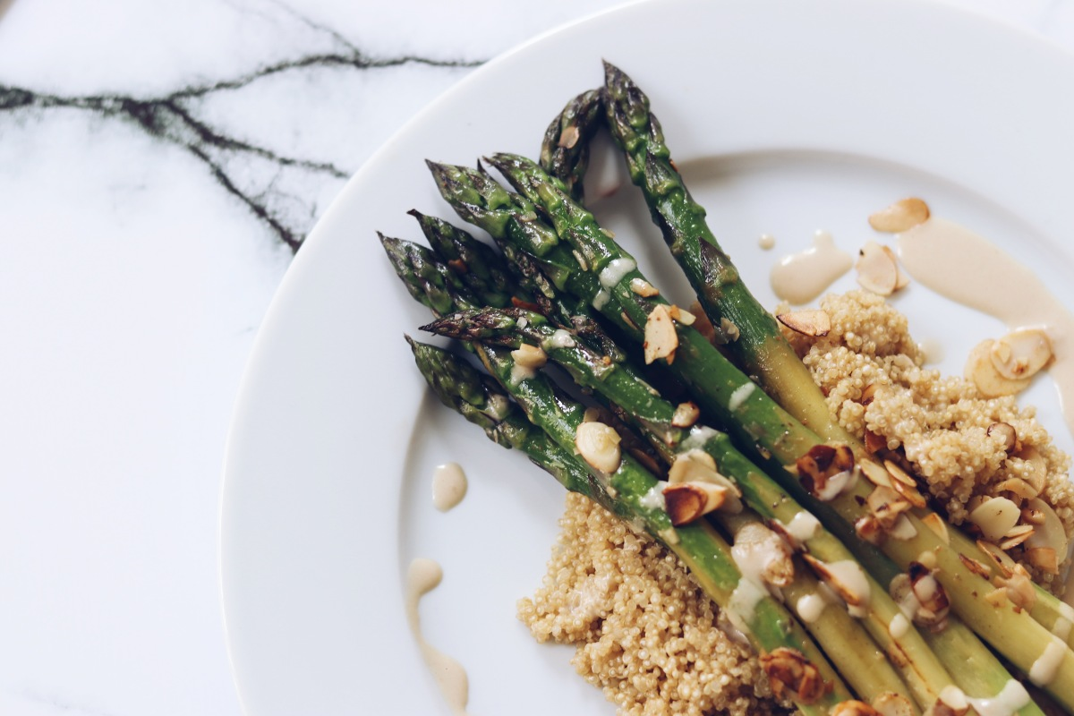 Vegan lunch for weight loss – Green asparagus with quinoa